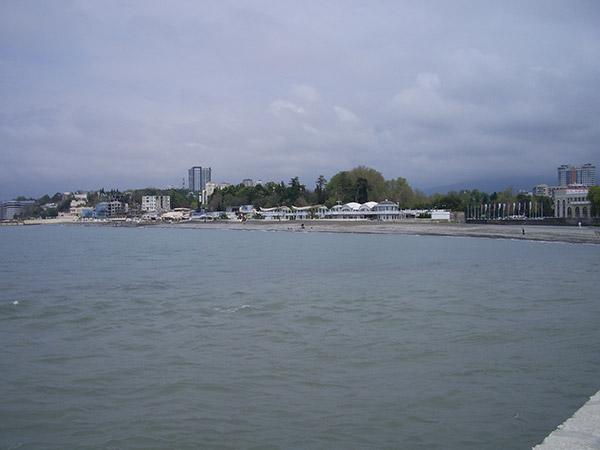 Вид на Ривьерский пляж